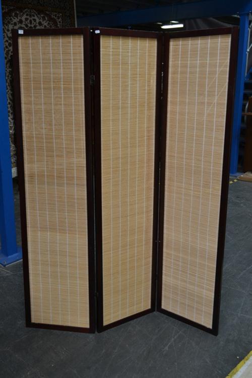 Timber 3 Panel Wall Screen