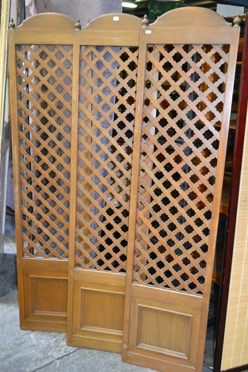 Set of 3 Concertina Lattice Clad Doors