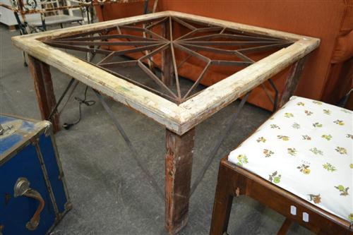 Garden Table w Iron Insert Top