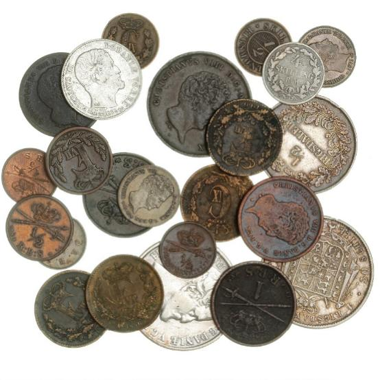 Collection of 23 skilling coins, 19th century, incl. 8 silver coins and 2 RBS 1842