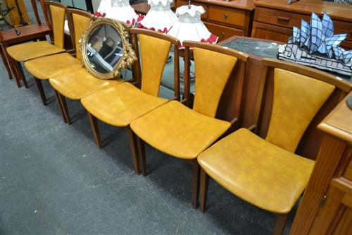 Set of 6 Dining Chairs with Tan Vinyl Upholstery