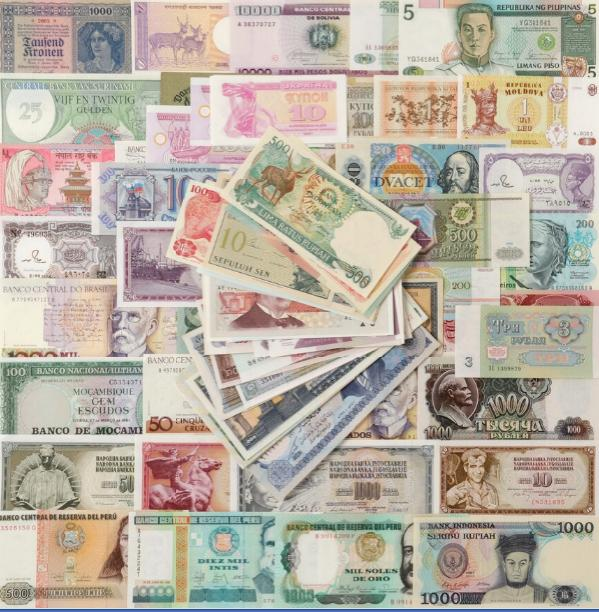 Collection of banknotes from countries all over the world, in total 100 pcs in uncirculated condition