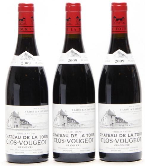 """6 bts. Clos de Vougeot """"Vieilles Vignes"""" Grand Cru, Chateau de la Tour 2009 A (hf/in)."""