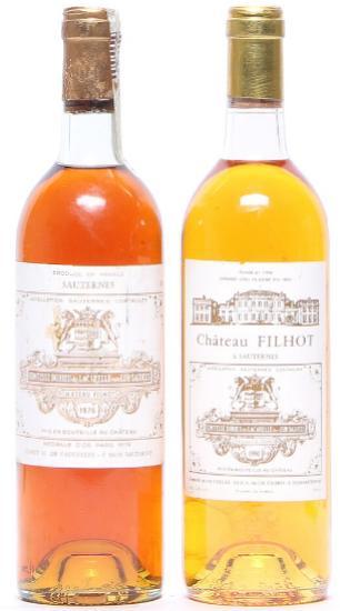 1 bt. Château Filhot 2. Cru Classé, Sauternes 1976 A-A/B (bn). etc. Total 2 bts