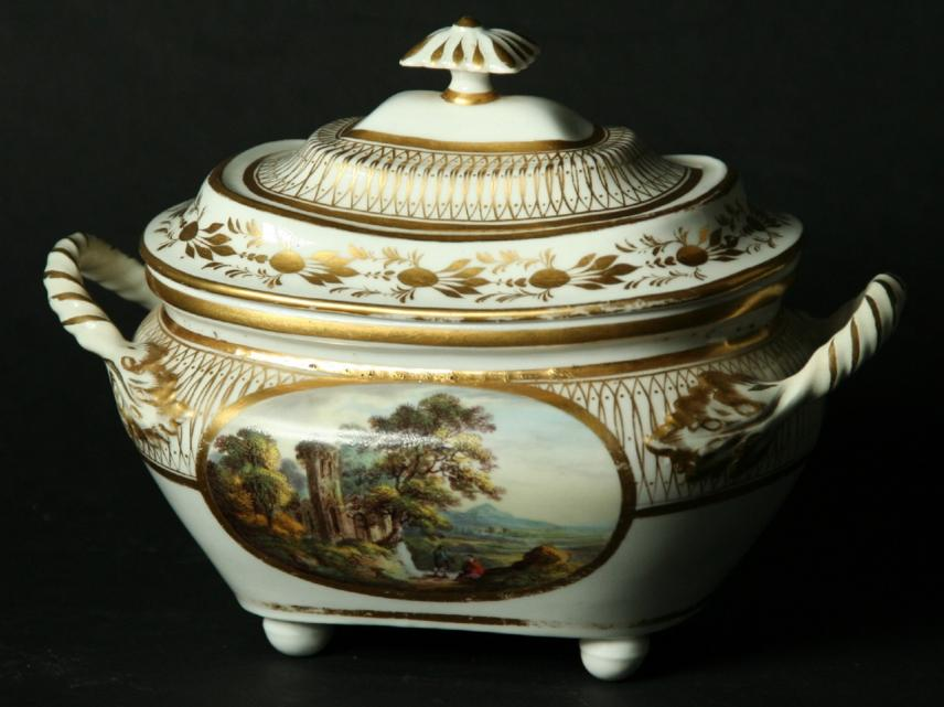 A DERBY TWO HANDLED SUCRIER AND COVER