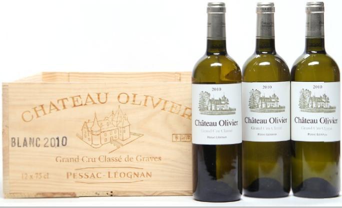 7 bts. Château Olivier Blanc Grand Cru Classé, Pessac-Léognan 2010 A (hf/in). Owc.
