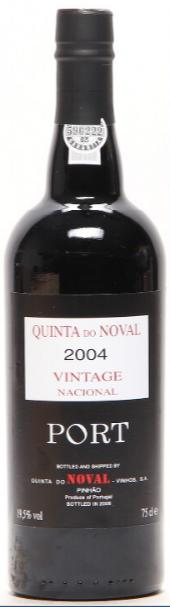 "1 bt. Quinta Do Noval Vintage Port ""Nacional"" 2004 A (hf/in)."