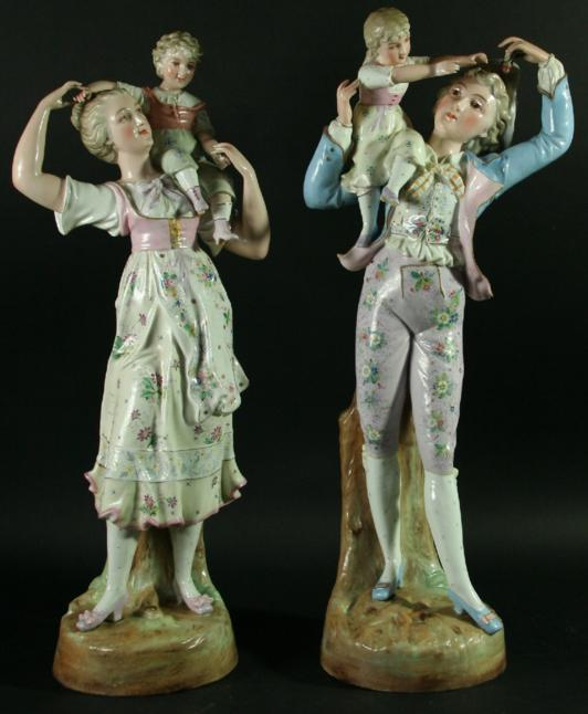 A PAIR OF FRENCH PORCELAIN FIGURES