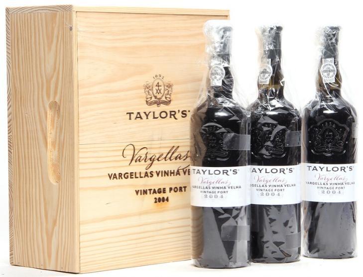"""3 bts. Taylor's Vintage Port """"Quinta de Vargellas Vinha Velha"""" 2004 A (hf/in). Owc."""