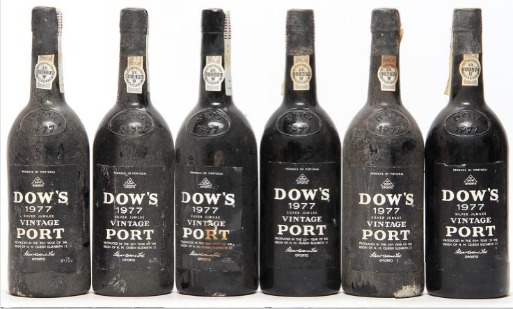 12 bts. Dow's Vintage Port 1977 A (hf/in).