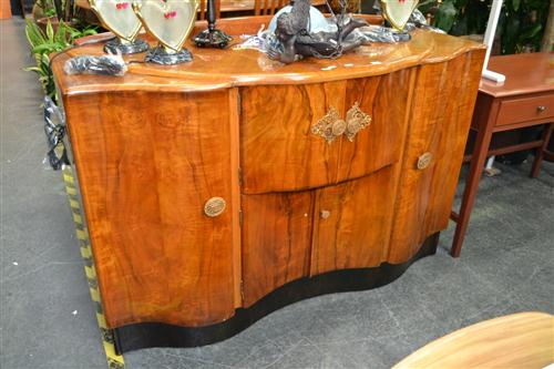 Art Deco Veneered Sideboard with Central Sliding Section