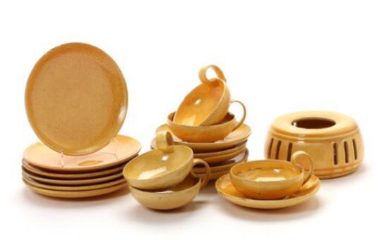 Pieces of earthenware tea set