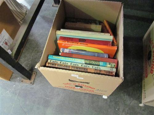 """Box of Childrens Books incl. """"The Brownie Annual""""; """"The Wonder Book of Animals""""; """"The Golden Story Book""""; etc"""