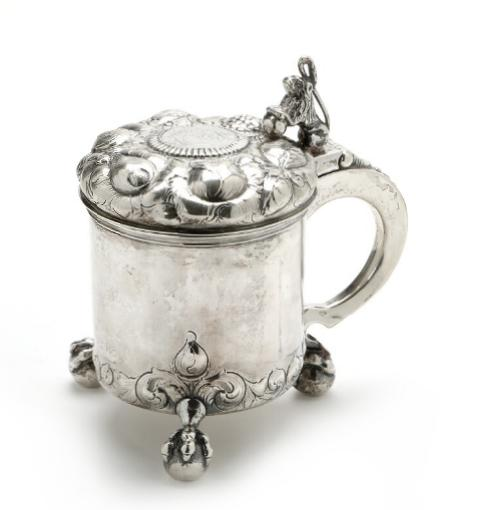 Baroque style 20th century silver peg tankard. Pseudo marks. Weight 669 gr