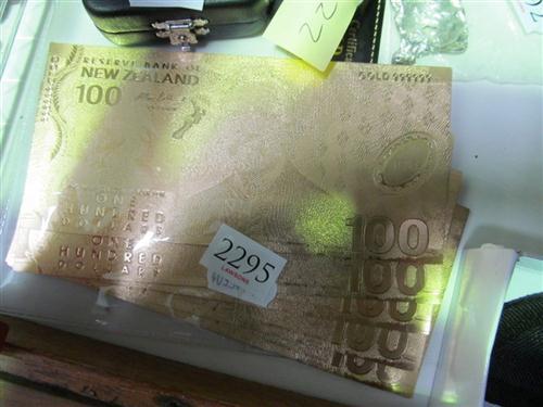 10 NZ $100 Notes