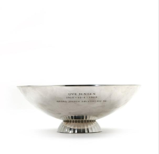 Sterling silver bowl, foot with fluted pattern
