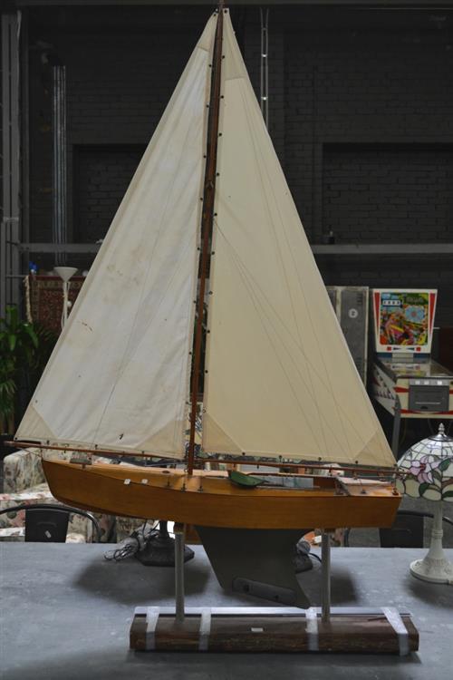 Vintage Australian Pond Yacht