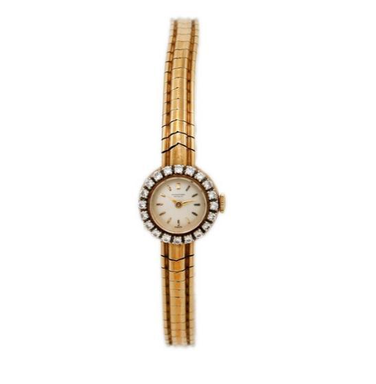 A lady's diamond wristwatch of 18k gold