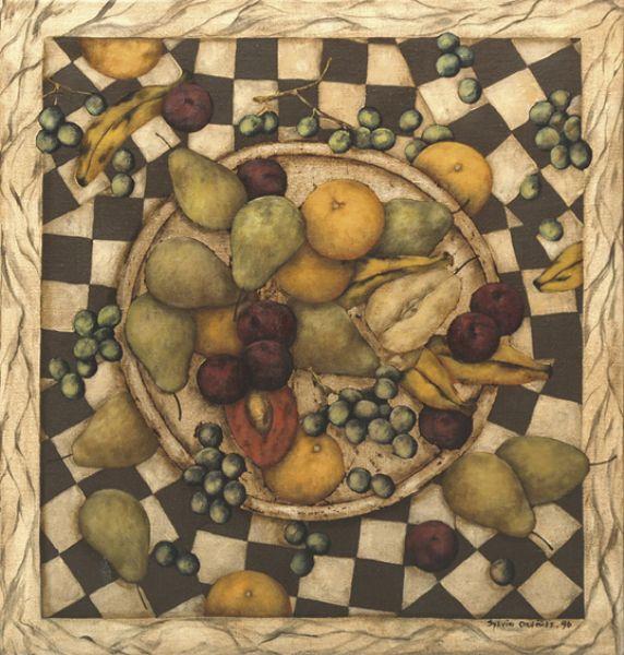 Plato de plata con frutas